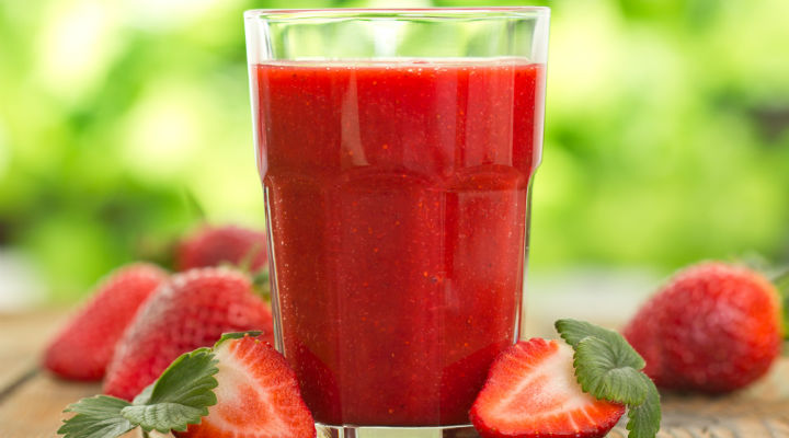 Low Carb Strawberry Smoothie - BetterHealthKare