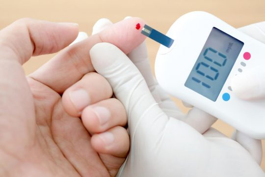 prickless glucose monitor